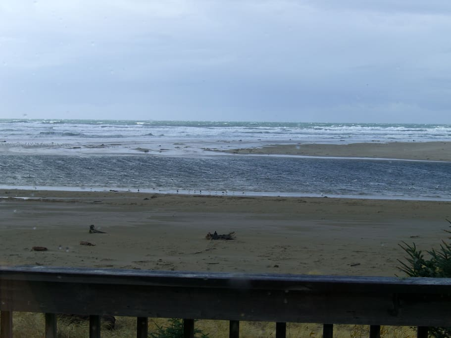 The best beach house on the beach houses for rent in for Beach house rentals cannon beach