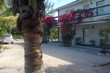 Silver Palm Guest House 1A - Providenciales, Turks & Caicos Islands