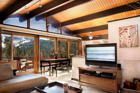 Treehaus Chalet - Panoramic Slope Views! - Big Bear Lake - Srub