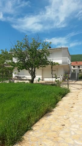 Peaceful place near Split - Dicmo - Appartement