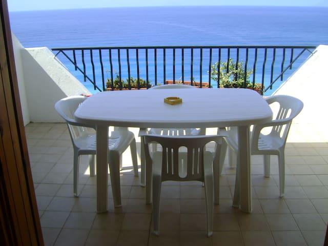 The terrace on the sea, Sicily - Gioiosa Marea - Leilighet