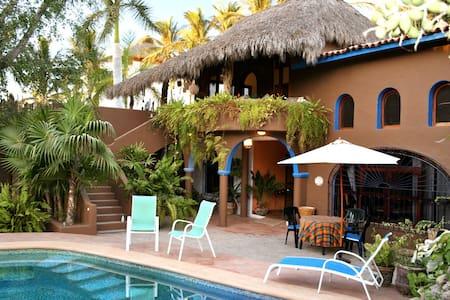 Terrace Apartment 1block from Beach - Bucerias - Villa