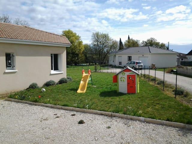 Maison moderne à la campagne - Hautefage-la-Tour - บ้าน