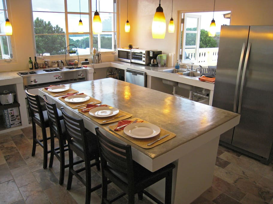Eat at Island with lots of prep space