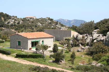 Sardinia's stunning country side - Calangianus - Rumah