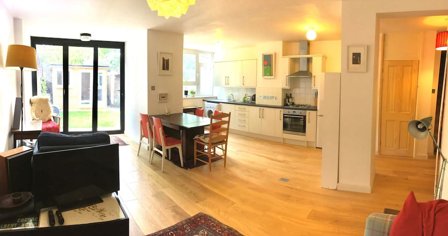 Double bedroom to rent in East London - Londres - Apartamento