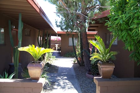 Orange Tree Vacation Rental 4 guests