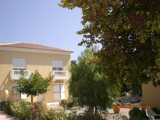 Villa climatisée avec jardin arboré à Sanary/mer - Six-Fours-les-Plages - Villa