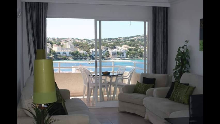 BEAUTIFUL 2 BEDROOM APARTMENT INFRONT OF THE BEACH