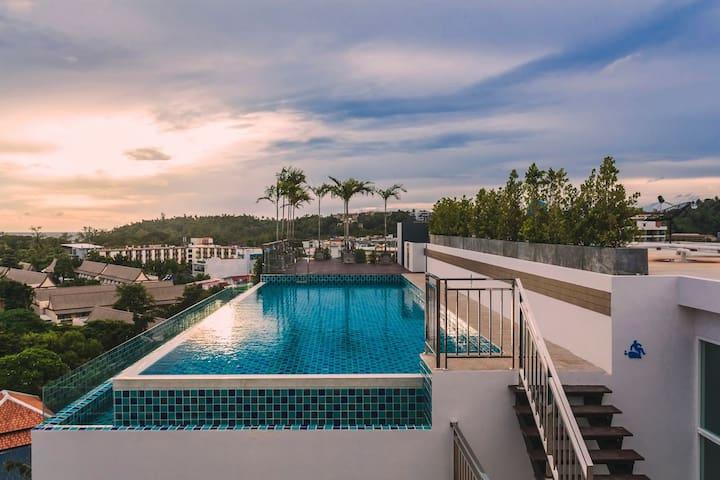 Ozone Kata Beach  - Great location, rooftop pool