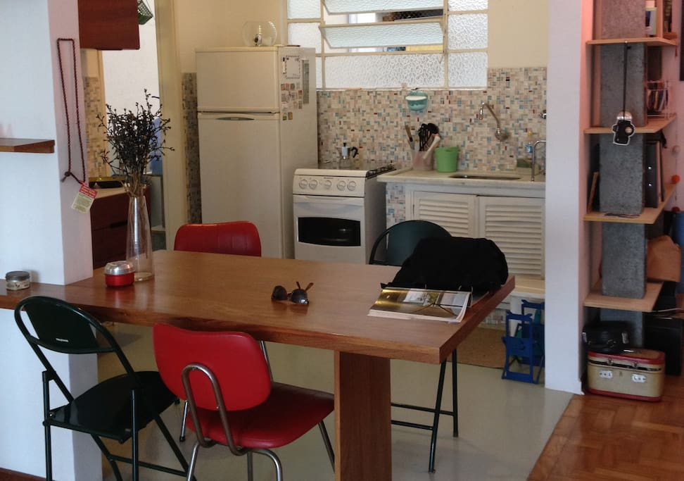 Fully equiped kitchen and table