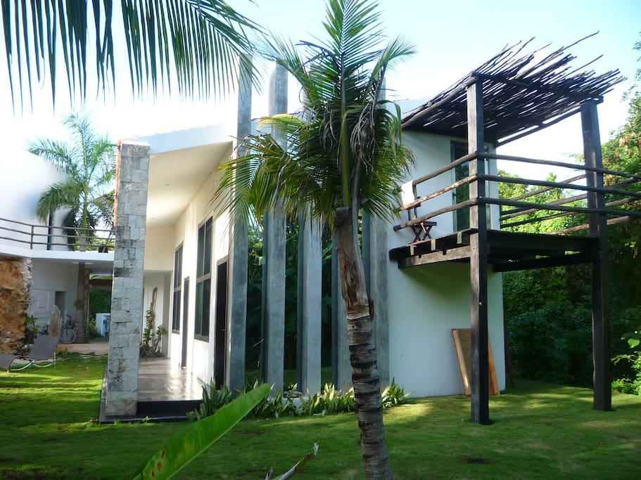 Loft 2 - wood terrace on the jungle side