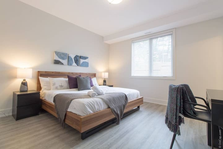 Brand New Downtown Bedroom, Private Bathroom