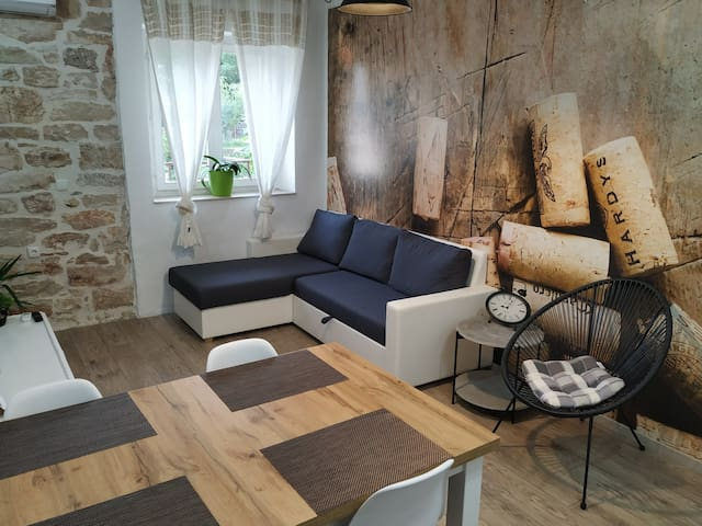 Rustic apartment by Krka park