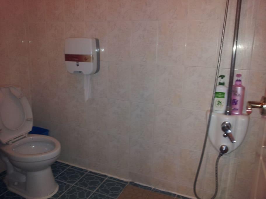 욕조가없는 욕실,샤워시설 있음