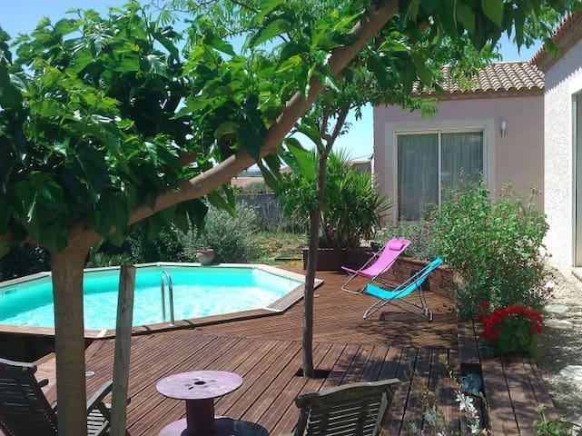 Agréable dépendance avec piscine  - Saint-Génies-de-Fontedit