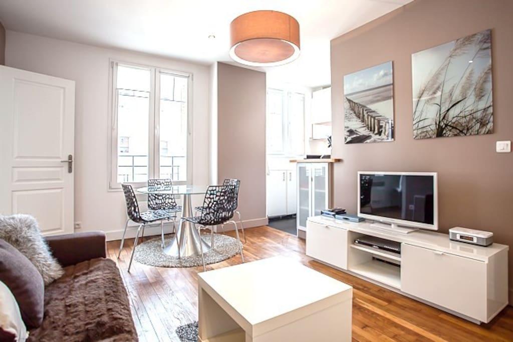 flat paris porte de versailles apartments for rent in issy les moulineaux idf france. Black Bedroom Furniture Sets. Home Design Ideas
