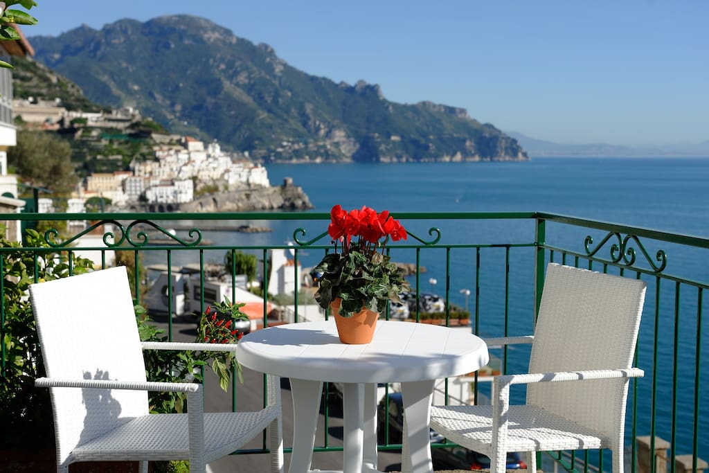 Sea view apartment apartments for rent in amalfi for Apartments amalfi