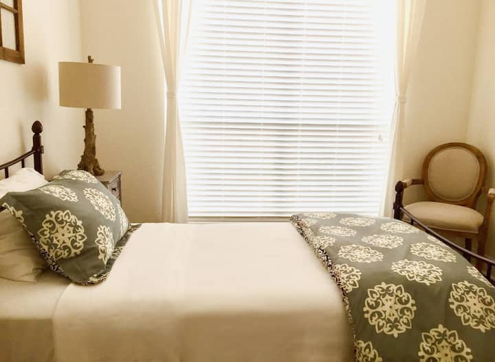 Single Occupancy Bedroom (Female Only)