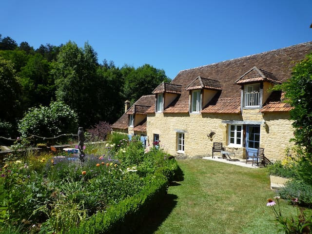 Luxury Farmhouse and Pool   -  Dordogne heaven! - Fleurac