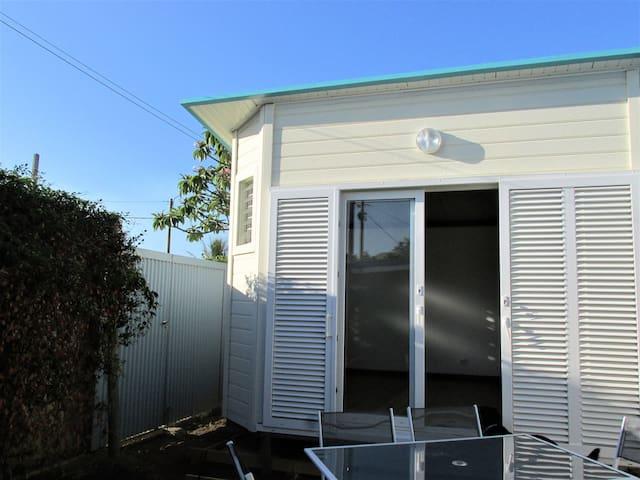 Joli bungalow neuf - 5mn Nouméa