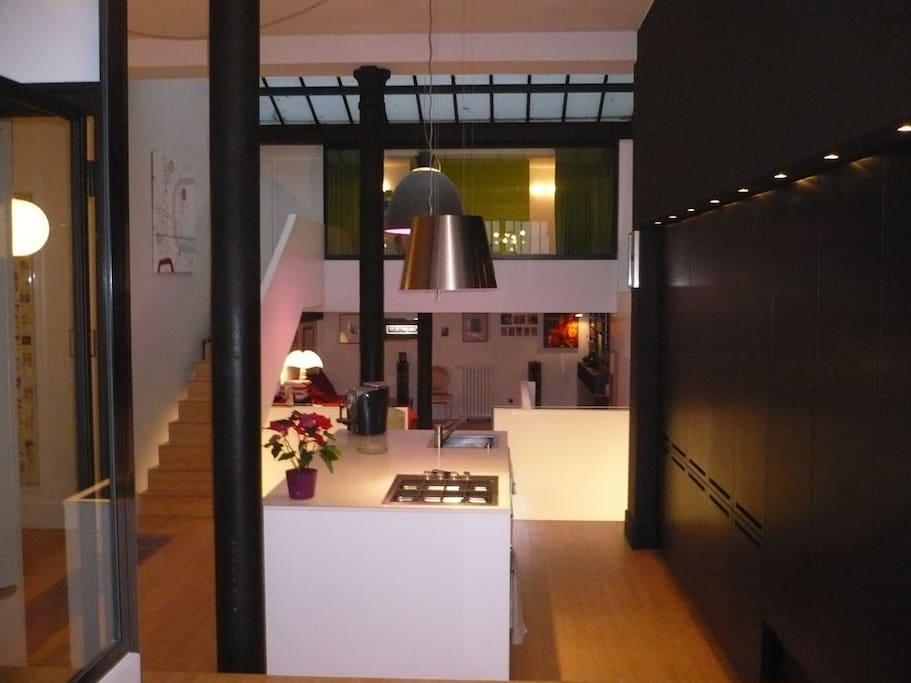 Vue de l'entrée (cuisine ouverte)