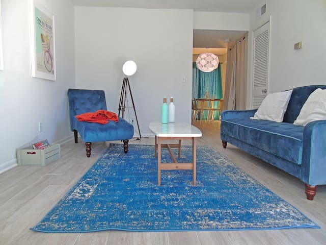 Amazing Rates, Perfect Location - Monthly Rental!