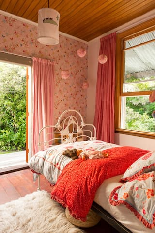 Springbank Cottage bedroom 1 (double  pure organic Latex)