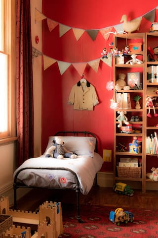 Springbank Cottage bedroom 3  (single pure organic Latex)