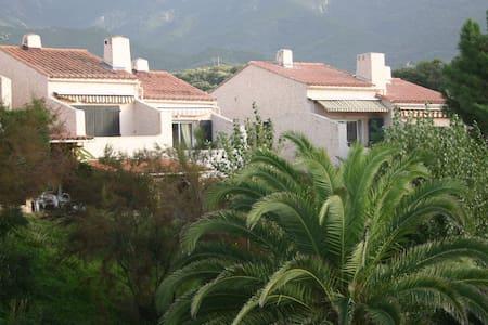 Appart/Villa à 200m de la plage pour 1-4 pers - Calcatoggio