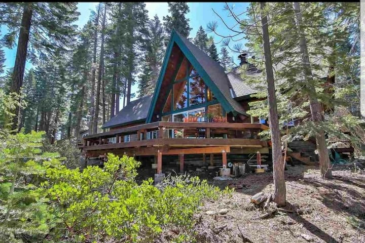 Wicked West Cabin - Best of the West Shore