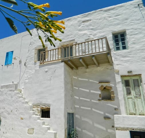 Antiparos House in the Kastro