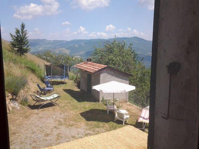 In de uitlopers Apennijnen bergen - Ouwerkerk - Rumah