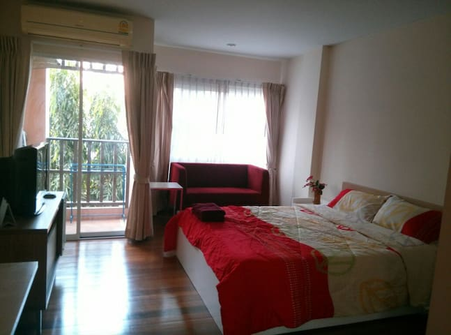Room for Rest In Amata City Rayong - Mapyangphon - Appartement