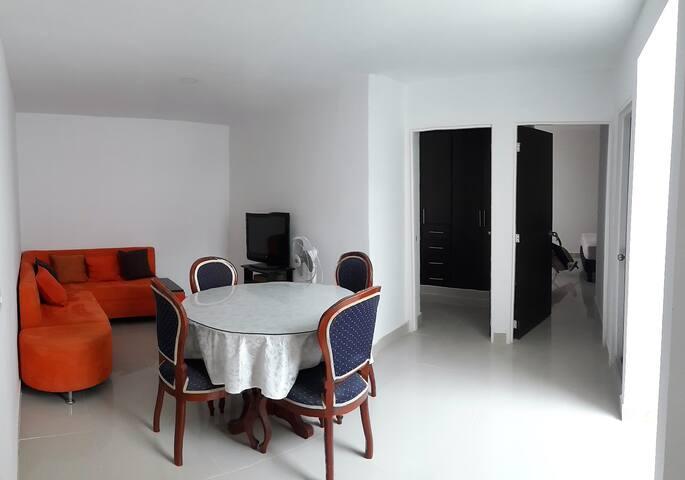 Sala comedor - Entrada a habitaciones
