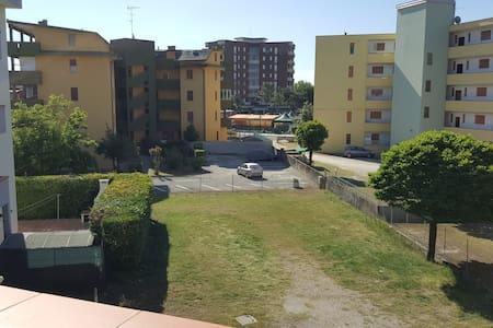 Appartamento 4/6 posti 300 mt a piedi dal mare - Lido delle Nazioni - Apartament