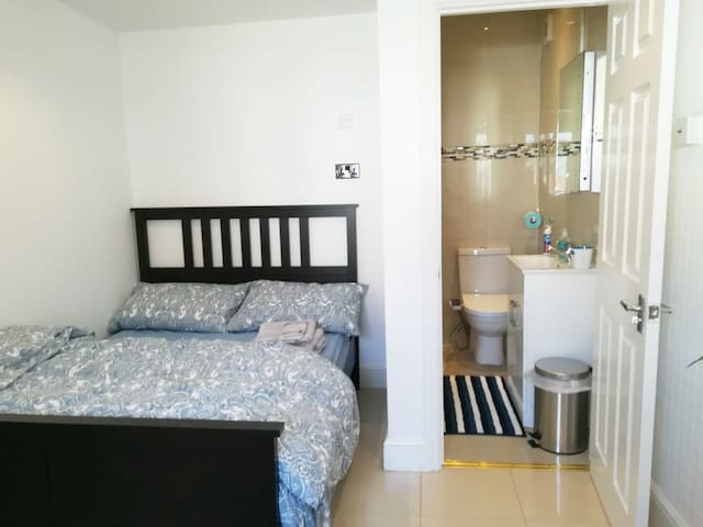 Parasams Home Stay, Private Double bedroom ensuite