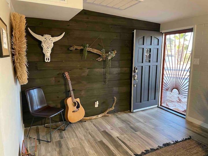 Gila Monster Thicket  3 bedroom home in the desert