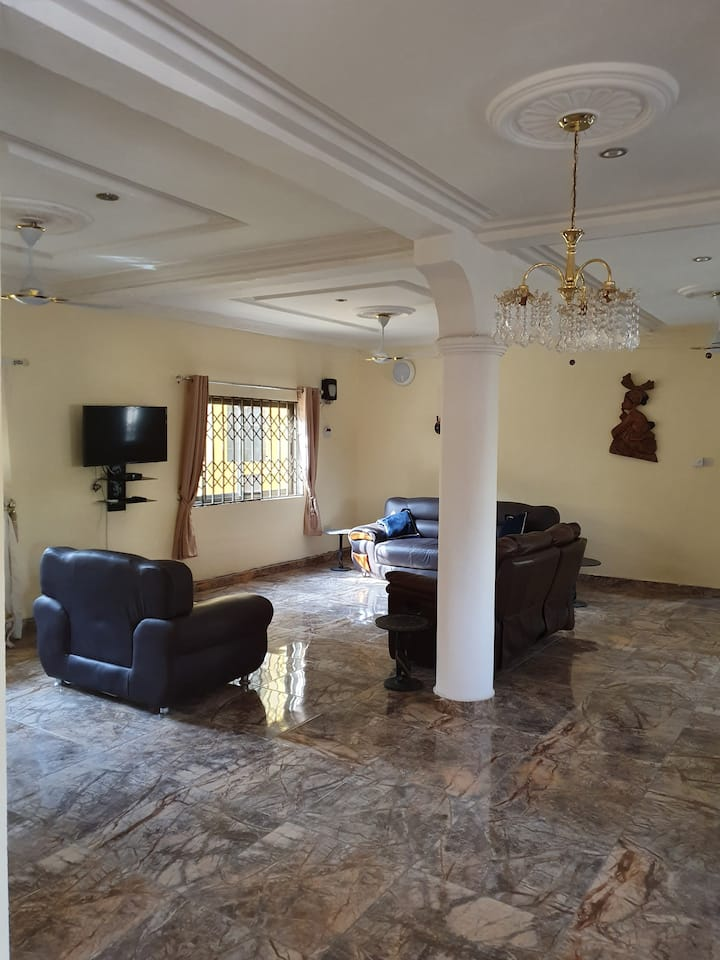 Luxurious large 2 bedroom apartment, 2 bathrooms
