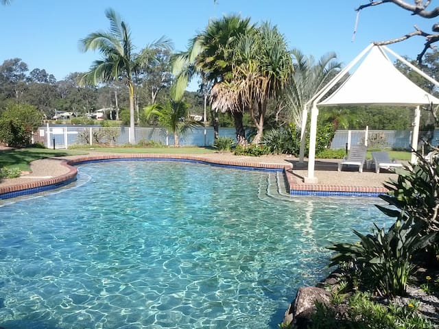 Currumbin Creek Unit - Currumbin Waters - Leilighet