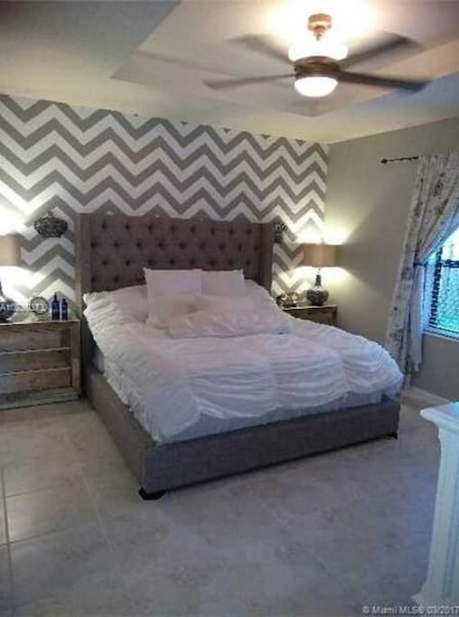 King size bed, room #1