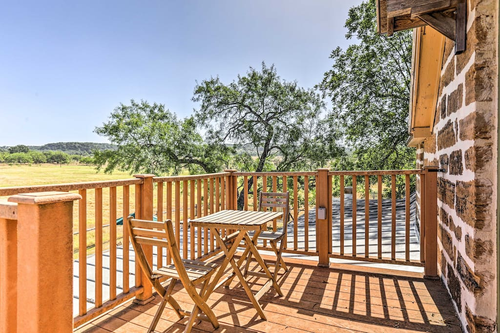 Located on 22 acres, this property offers its guests plenty of peace and privacy