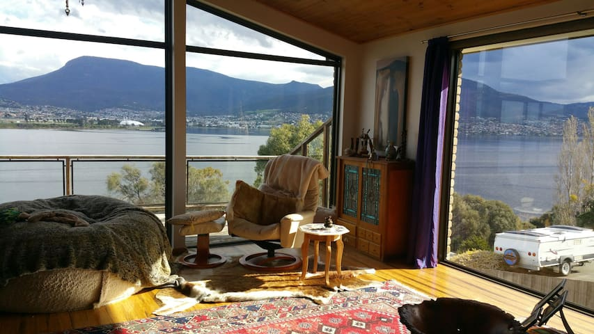 Privacy & Beauty on True Waterfront - Otago - House