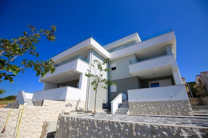 Great vacation home by Adriatic sea