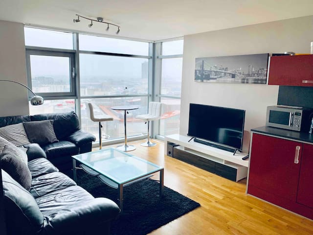 Lush City Centre Flat - AmazingViews+Parking+WIFI