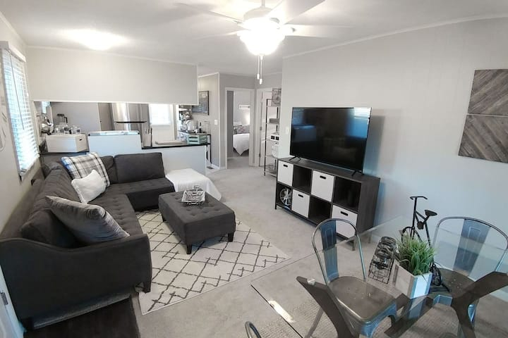 Back To Eden: 2 Bed 1 Bath Centrally Located OBX Beaches!