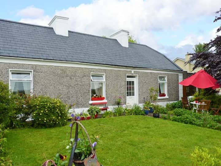 Katie's Cottage, quiet rural setting in Cranny
