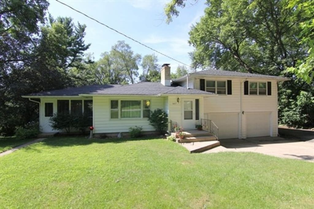 The house is situated on a half acre wooded lot near the Lakeview Hill Conservancy.