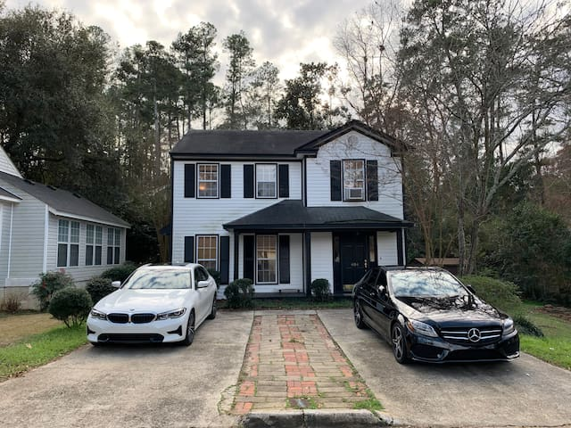 COZY HOME 1.7 MILES FROM AUGUSTA NATIONAL