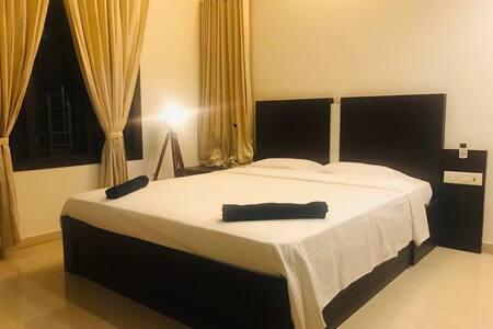 ♥ Private room in a lavish sea facing villa ♥
